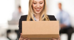 What factors to look for in courier service?